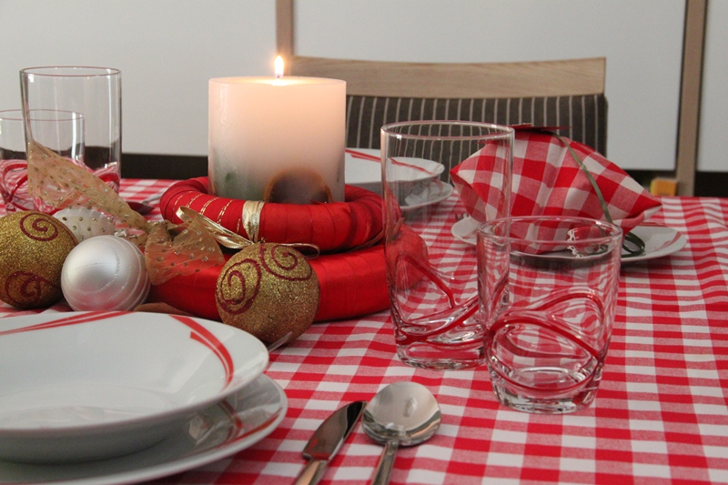 chrismas table art red 2
