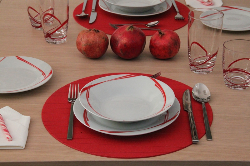 chrismas table art red 8