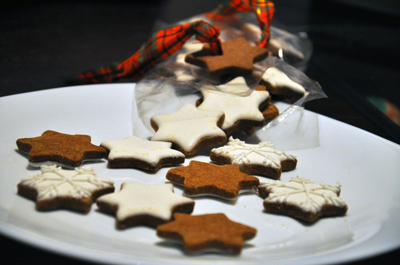 snow-stars-biscuits